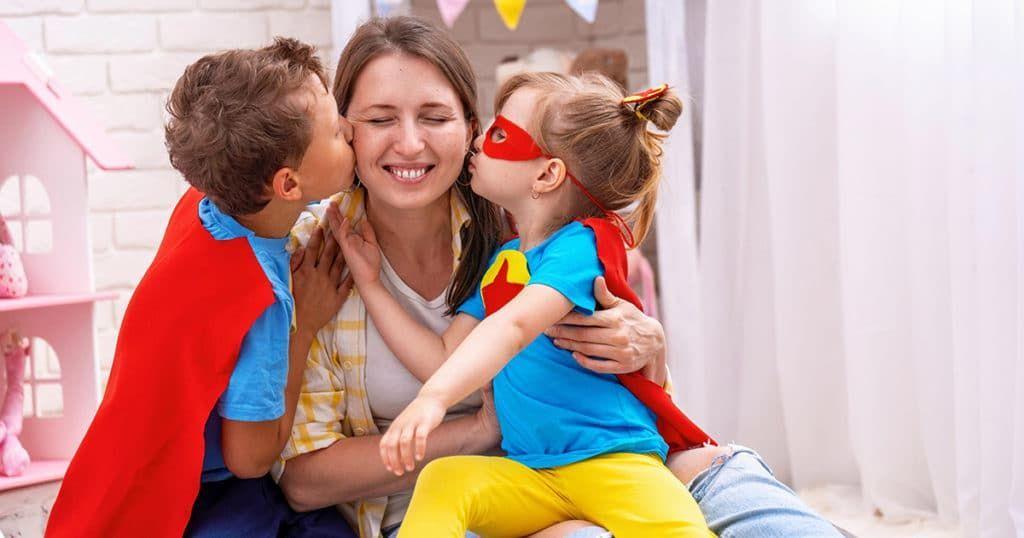 Brincar com filhos em casa